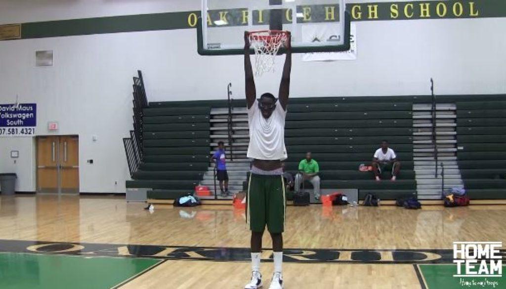 最も背が高い高校生選手