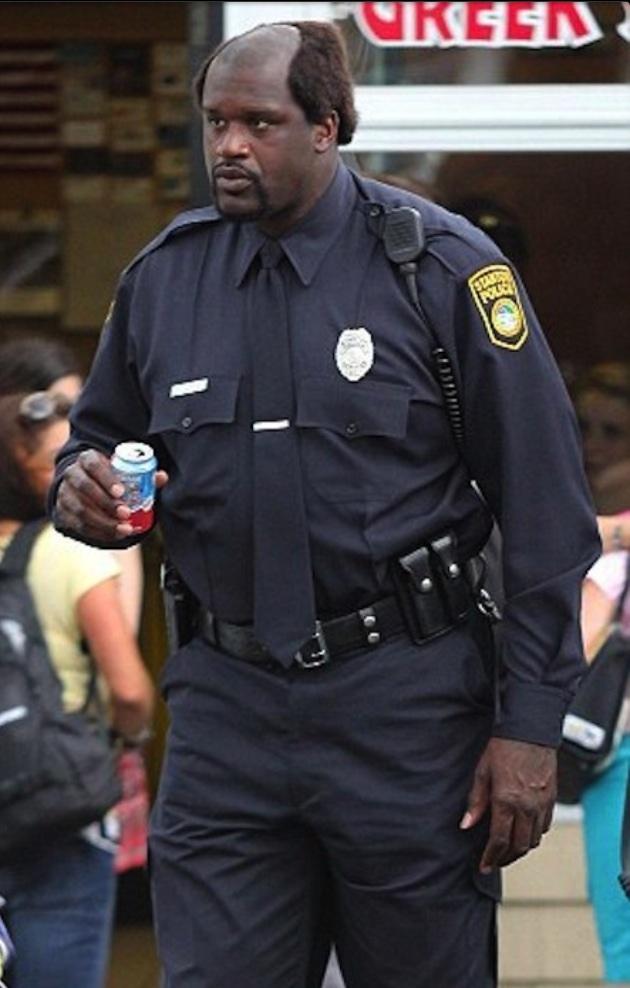 ソーダ缶を持つシャック