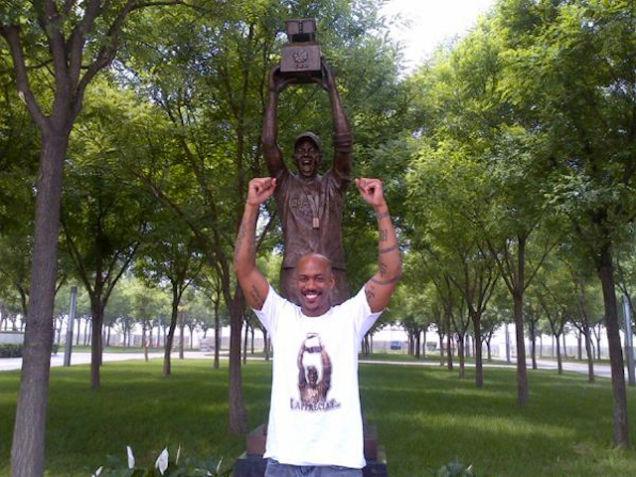 マーブリー 銅像